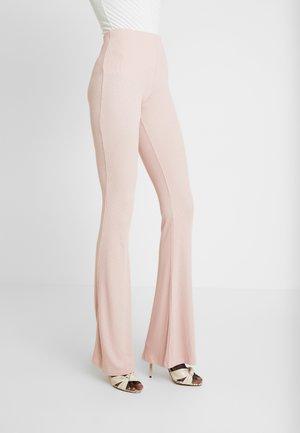 FLARE - Spodnie materiałowe - rose