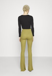 Missguided Tall - FLARE - Kalhoty - khaki - 2