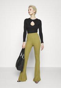 Missguided Tall - FLARE - Kalhoty - khaki - 1