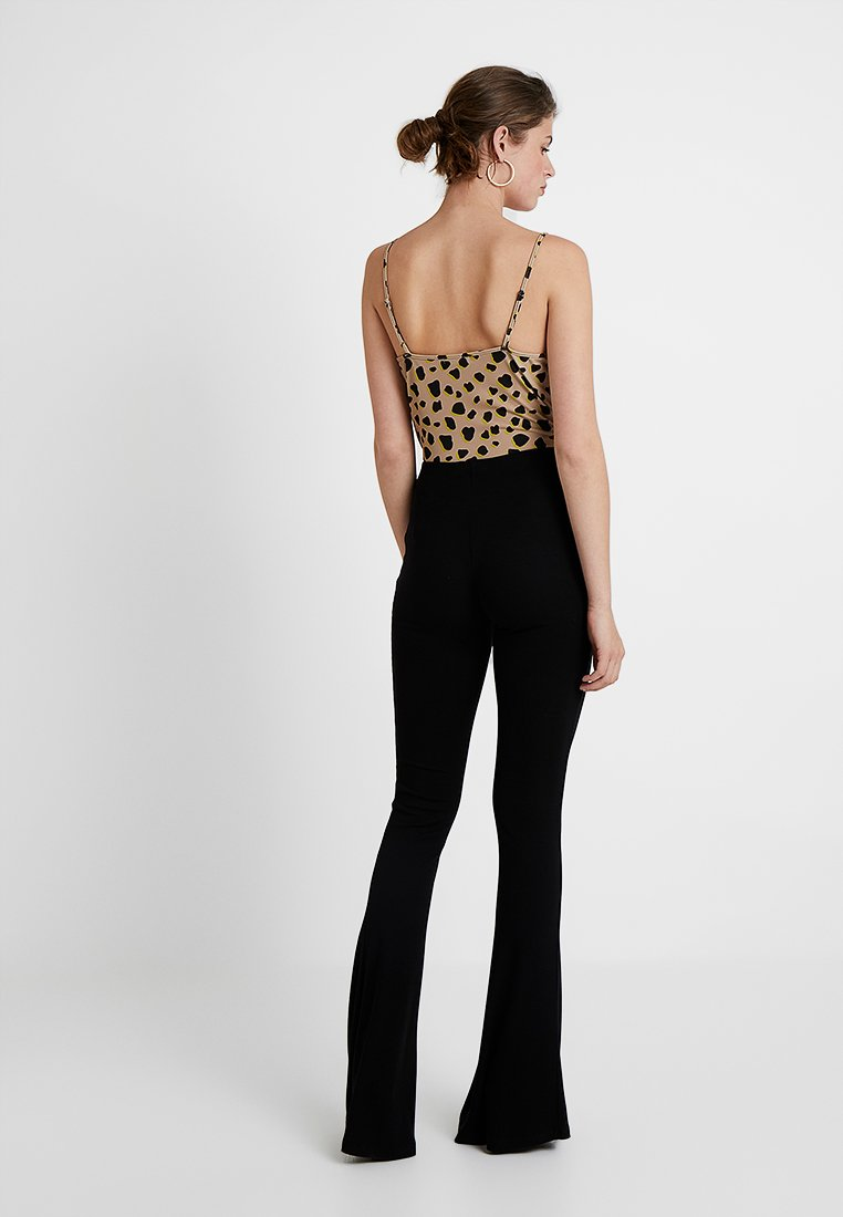 Missguided Tall FLARE - Spodnie materiałowe - black