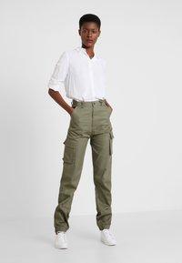 Missguided Tall - PLAIN CARGO TROUSER - Bukse - khaki - 1