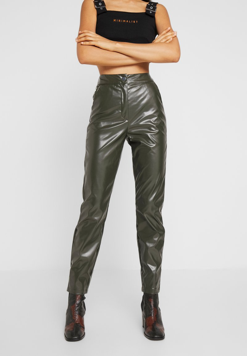 Missguided Tall - PLEAT FRONT CIGARETTE TROUSERS - Trousers - deep green