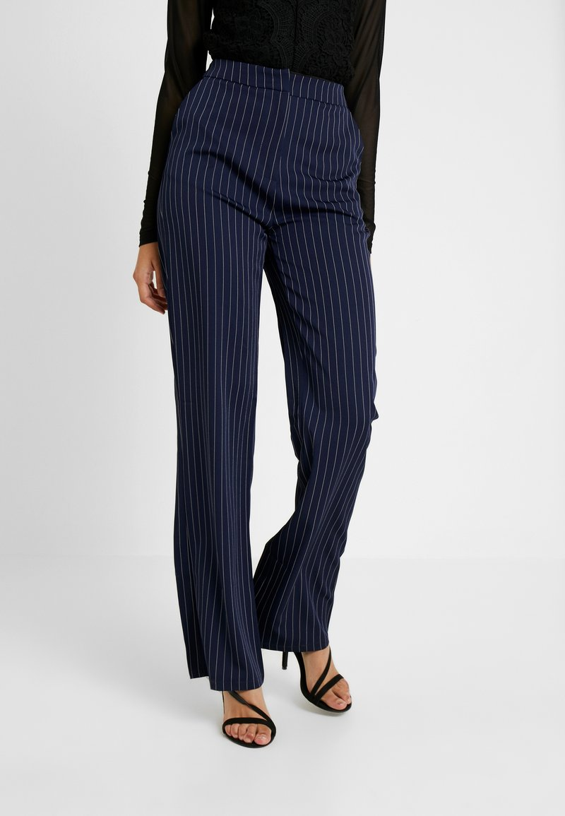 Missguided Tall - PINSTRIPE WIDE LEG TROUSERS - Stoffhose - navy