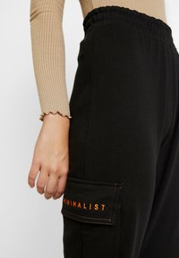 Missguided Tall - EMBROIDERED BRANDED - Tracksuit bottoms - black - 4