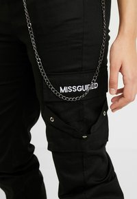 Missguided Tall - EMBROIDERED CHAIN - Bukse - black - 4
