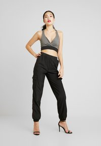Missguided Tall - STRIPE JOGGER - Tracksuit bottoms - black - 2