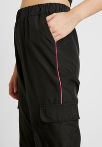 Missguided Tall - STRIPE JOGGER - Tracksuit bottoms - black - 5