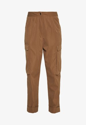 PLEAT FRONT TURN UP HEM CARGO TROUSER - Kapsáče - tan