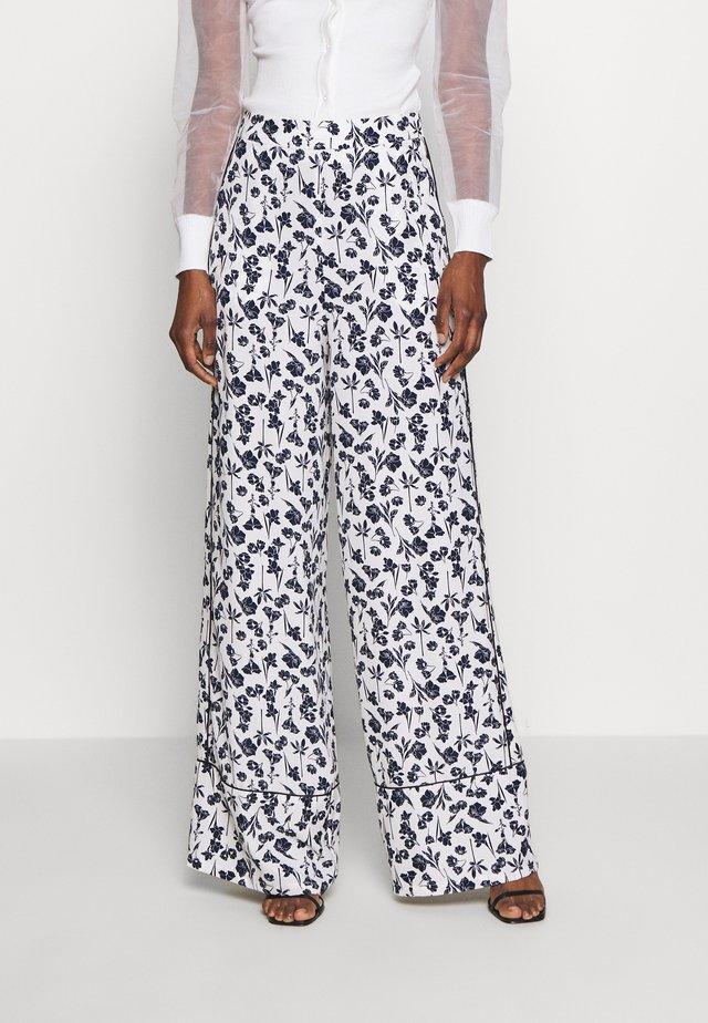 FLORAL WIDE LEG TROUSERS - Kangashousut - white