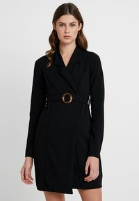 Missguided Tall - LONG SLEEVE TORTOISE SHELL BELT DRESS - Robe en jersey - black - 0
