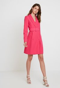 Missguided Tall - SHELL BELT DRESS - Košilové šaty - beetroot purple - 1