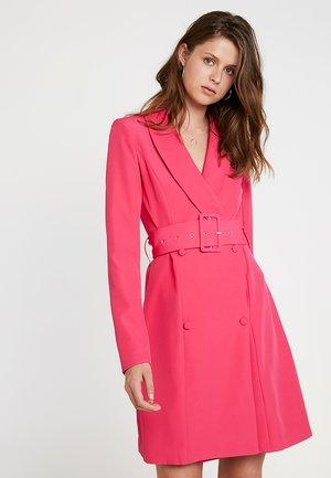 SHELL BELT DRESS - Košilové šaty - beetroot purple