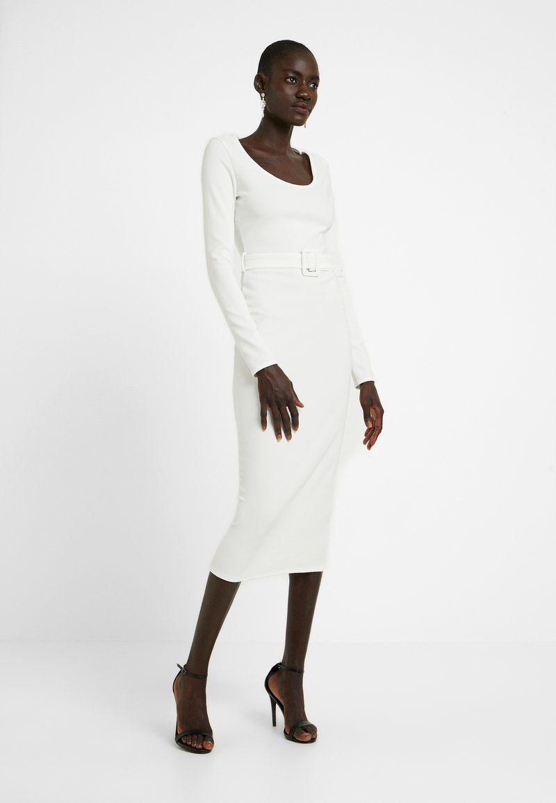 Missguided Tall - BELTED MIDI DRESS - Shift dress - white