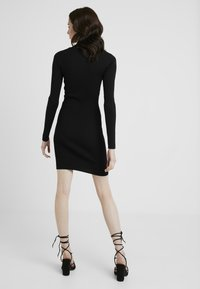 Missguided Tall - BASIC HIGH NECK LONG SLEEVE DRESS - Pouzdrové šaty - black - 2