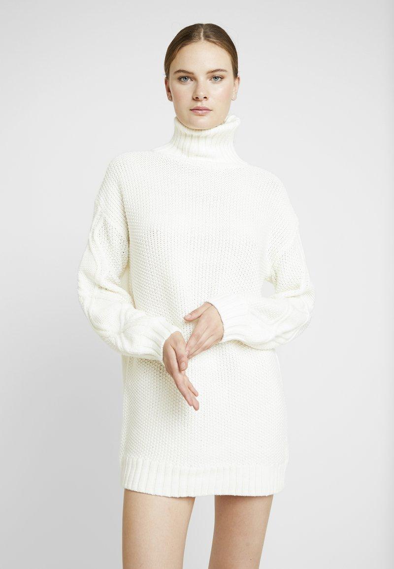 Missguided Tall - CABLE SLEEVE ROLL NECK JUMPER DRESS - Jumper dress - cream