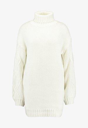 CABLE SLEEVE ROLL NECK JUMPER DRESS - Pletené šaty - cream