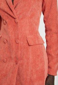 Missguided Tall - BUTTONED BLAZER DRESS - Shirt dress - coral - 6