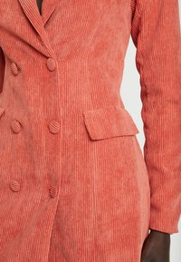 Missguided Tall - BUTTONED BLAZER DRESS - Skjortekjole - coral - 6
