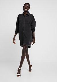 Missguided Tall - OVERSIZED - Košile - black - 1