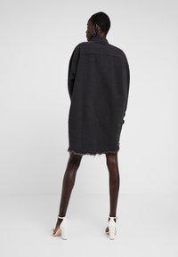 Missguided Tall - OVERSIZED - Košile - black - 2