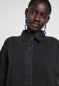 Missguided Tall - OVERSIZED - Košile - black - 5