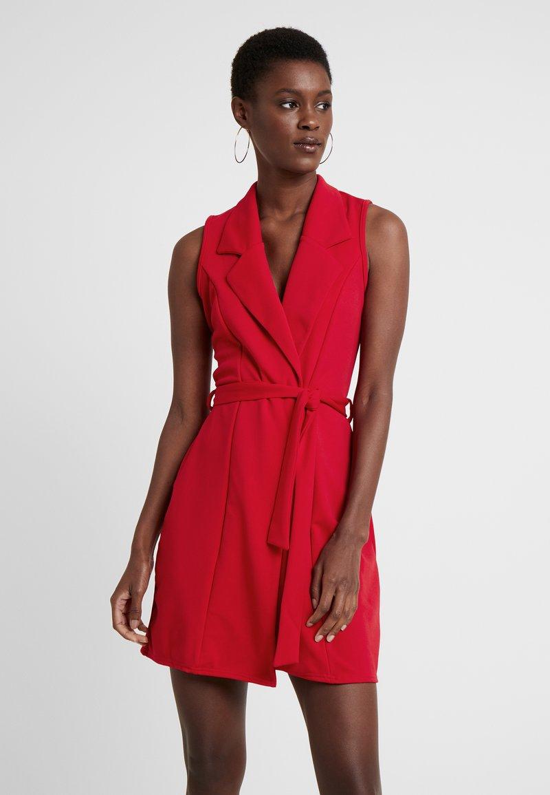 Missguided Tall - SLEEVELESS BLAZER DRESS - Shift dress - poppy red
