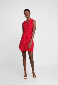Missguided Tall - SLEEVELESS BLAZER DRESS - Robe fourreau - poppy red - 2