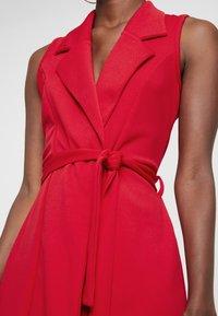 Missguided Tall - SLEEVELESS BLAZER DRESS - Robe fourreau - poppy red - 6