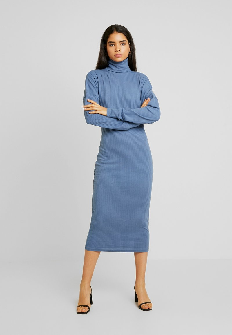 Missguided Tall - ROLL NECK MIDI DRESS - Robe en jersey - blue