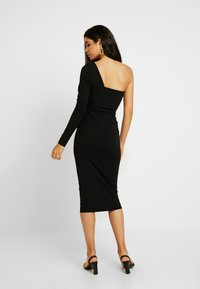 Missguided Tall - ONE SHOULDER STRUCTURED BODYCON MIDI DRESS - Žerzejové šaty - black - 3