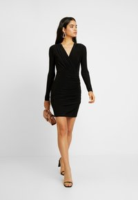 Missguided Tall - SLINKY PLUNGE WRAP RUCHED MINI DRESS - Kjole - black - 2