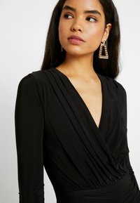 Missguided Tall - SLINKY PLUNGE WRAP RUCHED MINI DRESS - Kjole - black - 5