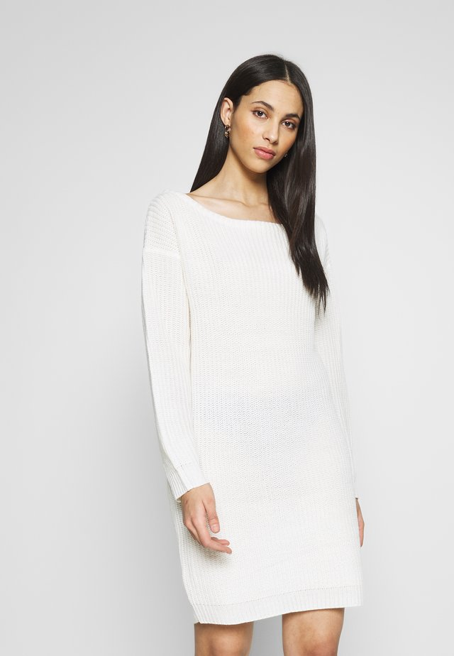TALL OFF THE SHOULDER DRESS - Sukienka dzianinowa - winter white