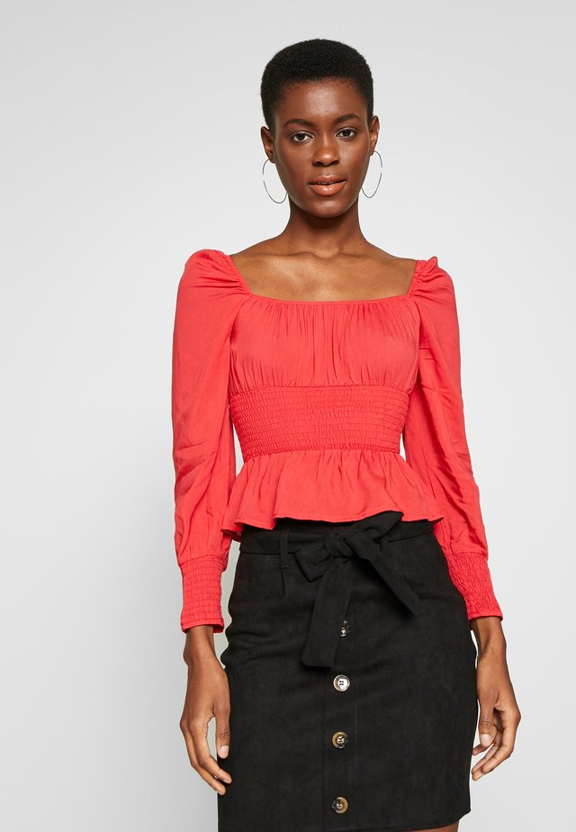PLUS RUCHED BODICE MILKMAID TOP - Blus - red