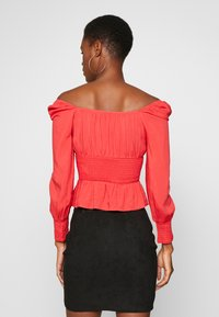 Missguided Tall - PLUS RUCHED BODICE MILKMAID TOP - Bluser - red - 2