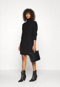 Missguided Tall - ROLL NECK BASIC DRESS - Strikket kjole - black - 1