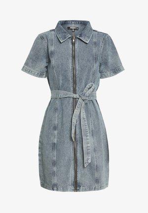 ACID WASH ZIP UP SELF BELT DRESS - Vestido informal - denim blue
