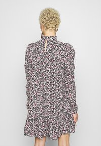 Missguided Tall - TIERED PUFF SLEEVE DRESS DITSY FLORAL - Robe d'été - multi-coloured - 3