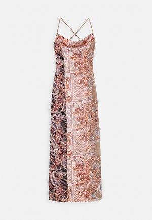 PAISLEY COWL NECK CAMI MAXI DRESS - Vestito estivo - rust