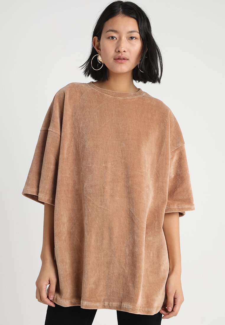Missguided Tall - DROP SHOULDER OVERSIZED  - Print T-shirt - camel