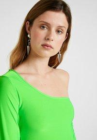 Missguided Tall - SLINKY ONE SHOULDER - Långärmad tröja - neon lime - 3