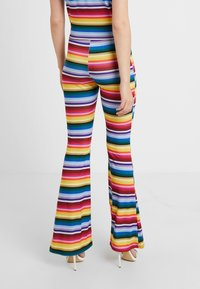 Missguided Tall - STRIPED AND FLARE TROUSER - T-shirt con stampa - blue - 4