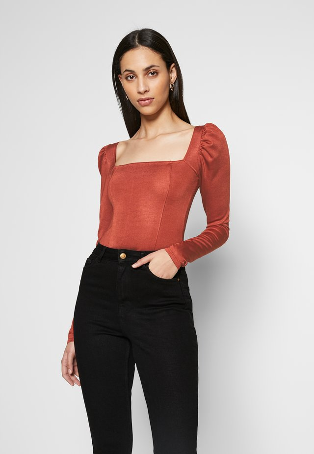 SQUARE NECK PANELLED BODYSUIT - Long sleeved top - rust