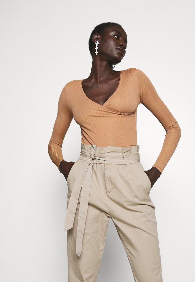Langarmshirt - indian tan