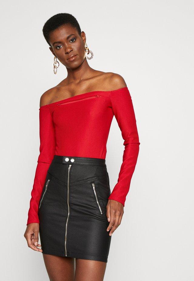BARDOT ZIP BODYSUIT - Bluzka z długim rękawem - deep red