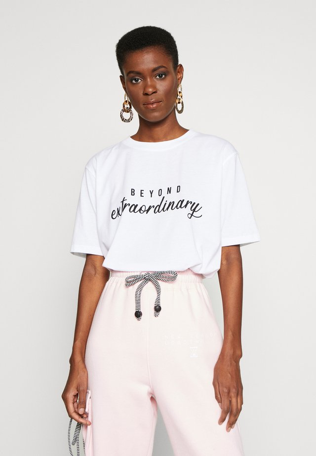 EXCLUSIVE BEYOND EXTRAORDINARY - T-shirt print - white