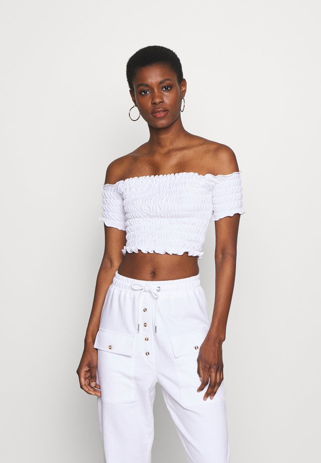 SHIRRED BARDOT CROP TOP - T-shirt basic - white