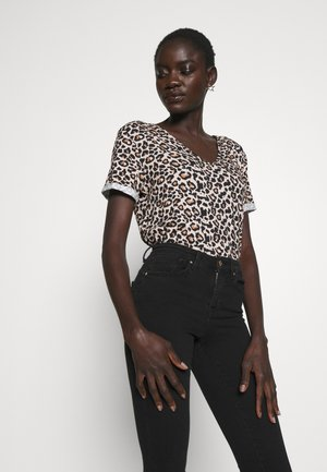 LEOPARD V NECK - T-shirt print - brown