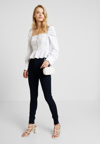 Missguided Tall - POPLIN HOOK AND EYE SQUARE NECK - Blouse - white - 1
