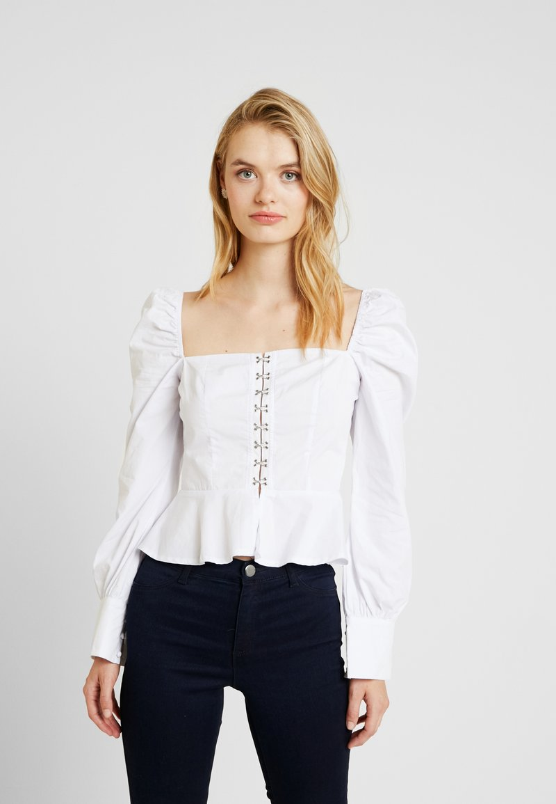 Missguided Tall - POPLIN HOOK AND EYE SQUARE NECK - Blouse - white